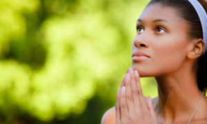 woman-praying-elev8